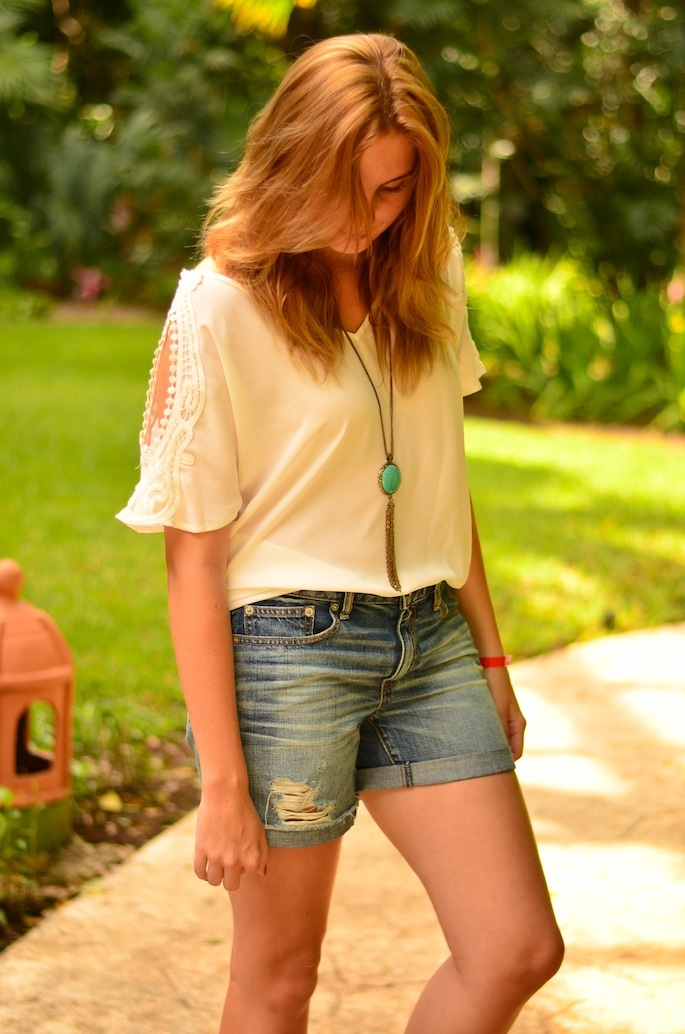 How to Style American Eagle Boyfriend jean shorts