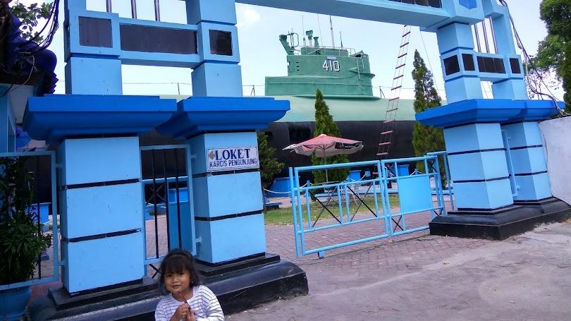 Pengalaman Berwisata Sejarah di Monumen Kapal Selam Surabaya