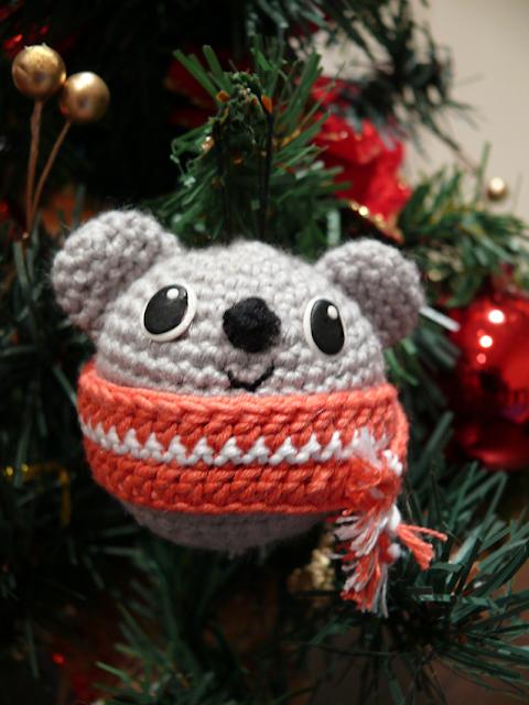 Adorno árbol navidad Koala amigurumi