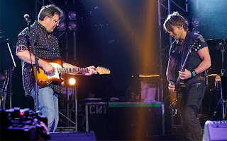 Keith Urban, Merle Haggard, All for the Hall concert