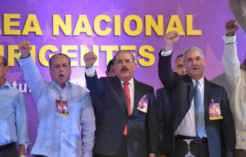 Reinaldo asume presidencia del PLD