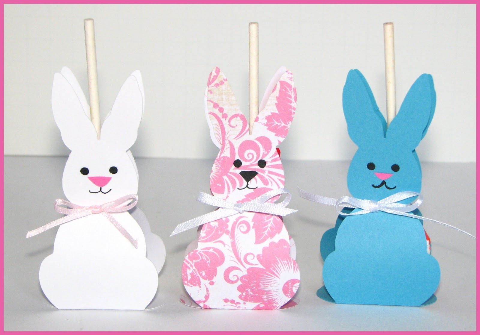 Cricut Craft Room Help: Around The Block With Scrapalette: Bunny Lollipop Holders