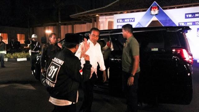 Usai Beri Semangat, Jokowi Tinggalkan Maruf Amin