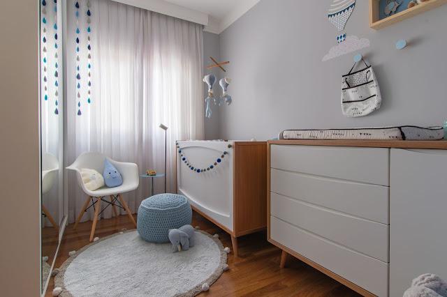 quarto-bebe-atual-cores-suaves-decoração