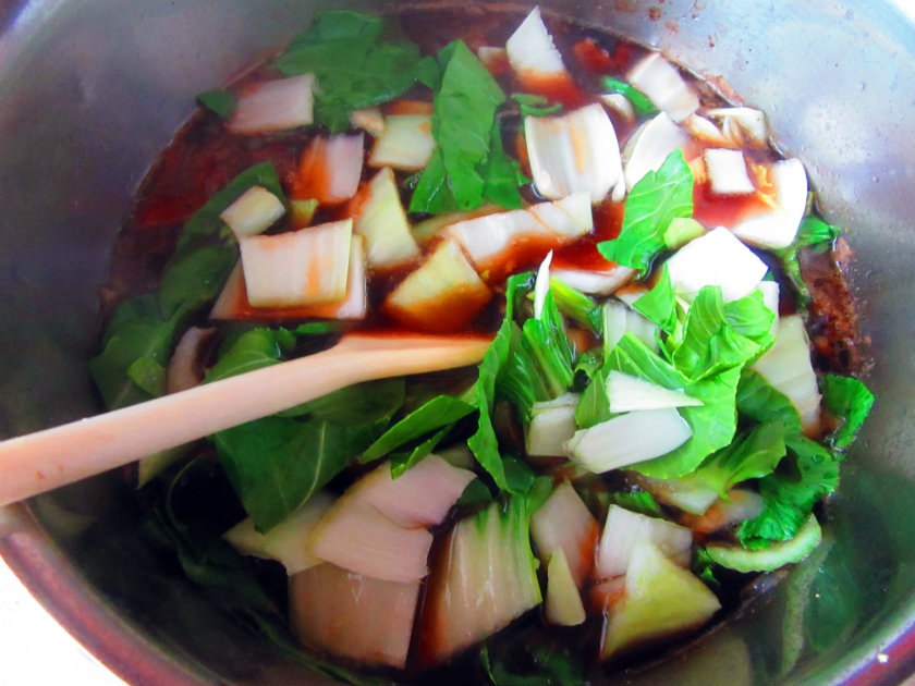 Bok choy soup with mushrooms and ginger by Laka kuharica: Add bok choy