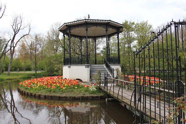 The Butterfly Balcony - Wendy's Week Liverpool to Amsterdam - Vondelpark Tulip bulbs aplenty around the pavilion