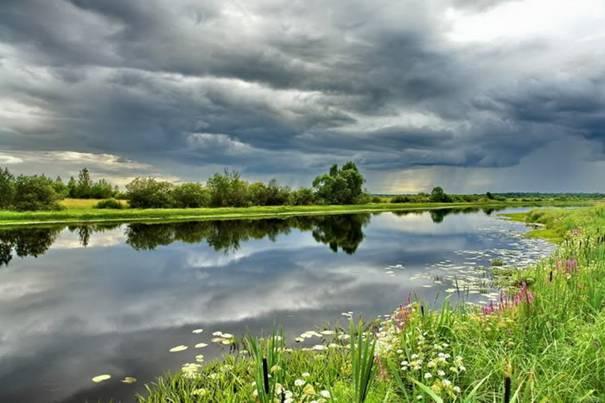 صور رائعه لجمال السماء وصفاء الماء image039-763445.jpg