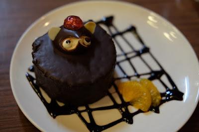 長野県松本市の喫茶・カフェ 珈琲茶房 かめのや 狸のケーキ