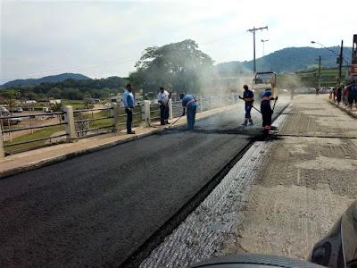 Prefeitura de Juquiá realiza obras de asfalto em diversas ruas do município