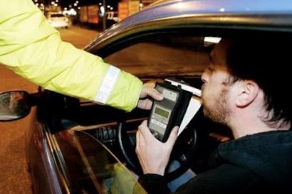الحموشي يُجهزُ فرق أمن السير والجولان بأجهزة متطورة لقياس نسبة الكُحول لدى السائقين