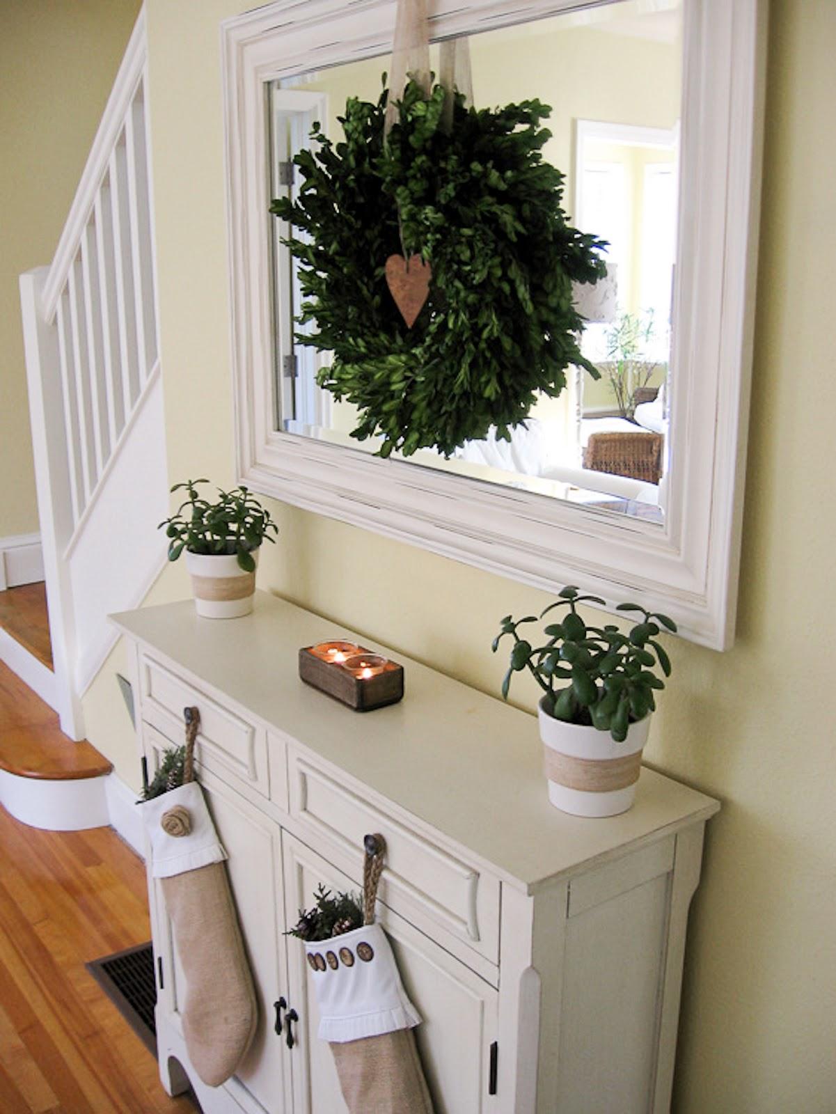 Cozy Cottage Christmas Decorating