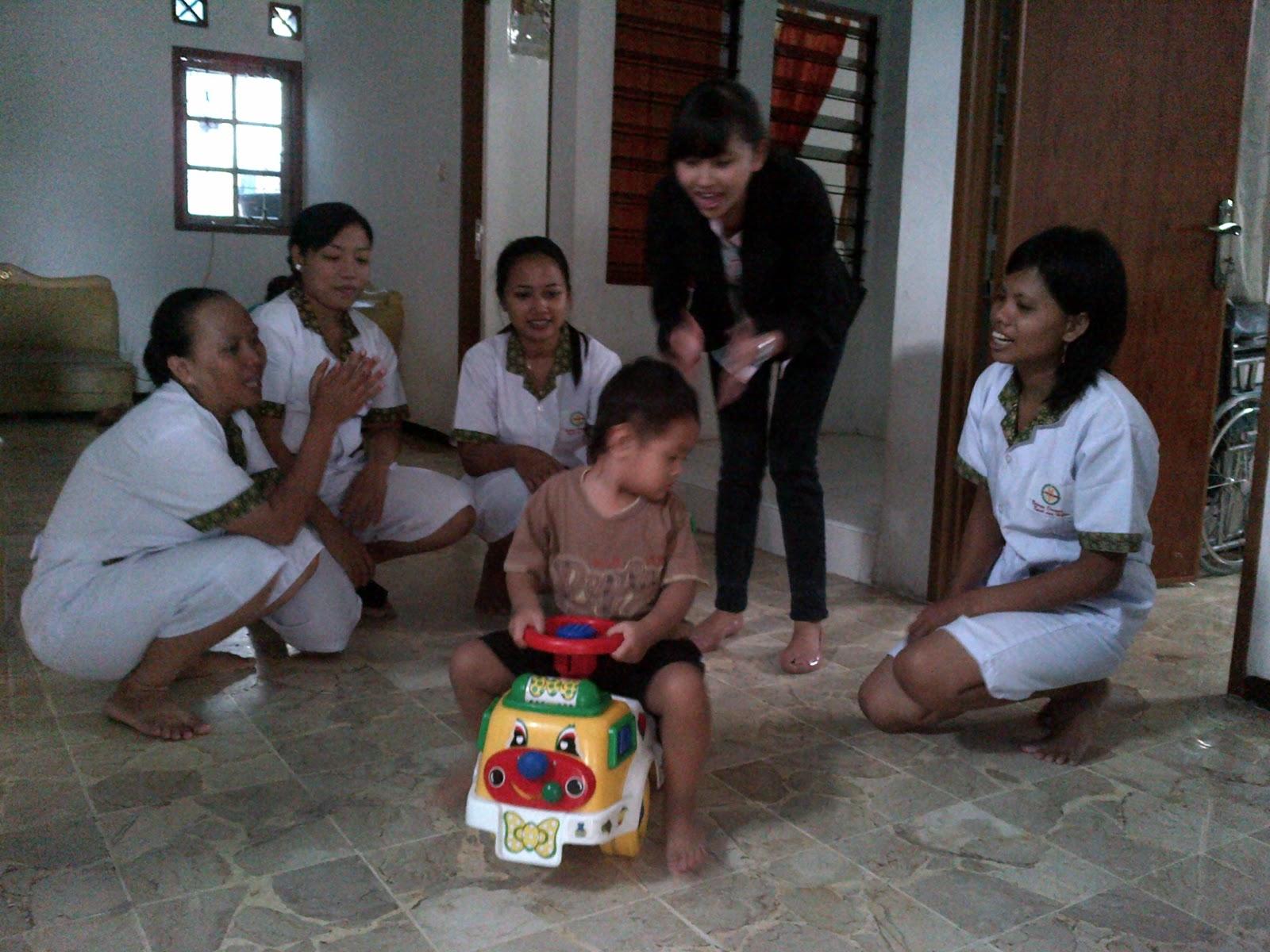lpk cinta keluarga penyedia penyalur perawat pengasuh suster anak bayi balita profesional ke seluruh indonesia jawa luar jawa