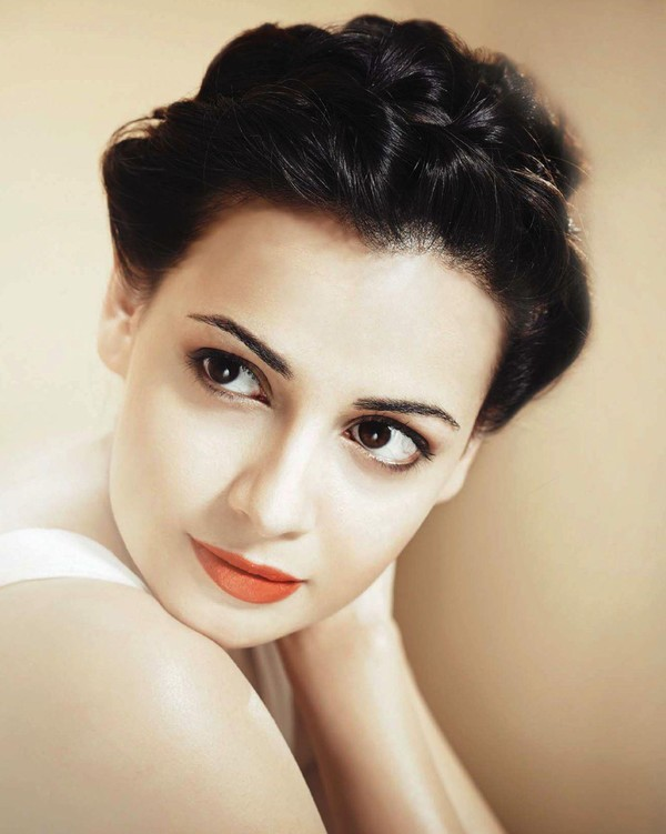Fair and pretty Dia mirza on hello magazine may 2013