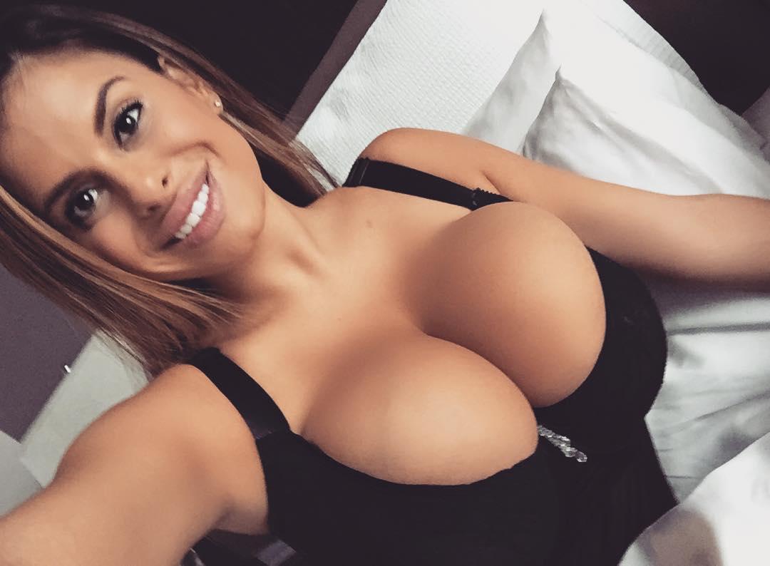 Funny and hit jokes on boobs   Non Veg Adult Jokes, Non ...