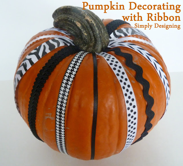 Pumpkin Decorated with Ribbon | Simply Designing #pumpkingdecorating #fall #pumpkins #halloween
