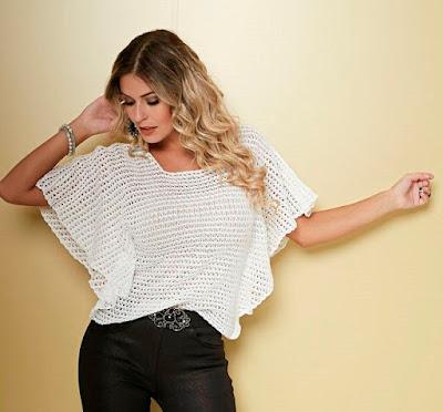 742631f8f Patrón gratis  blusa con mangas de murciélago (también en crochet ...