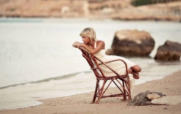 Αν μένεις και ελπίζεις για πολύ καιρό, χάνεις τη ζωή που θα μπορούσες να ζεις…