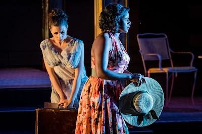 Opera Holland Park - Puccini: La rondine - Tereza Gevorgyan, Elizabeth Llewellyn (Photo © Robert Workman)