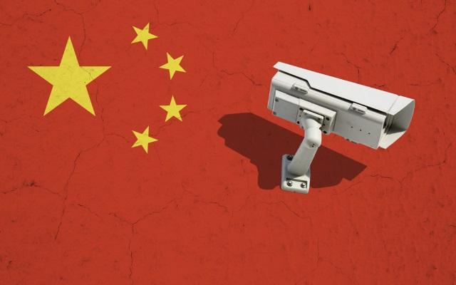 China começou a forçar os cidadãos da província de Xingjiang a instalar spyware em seus telefones Androi