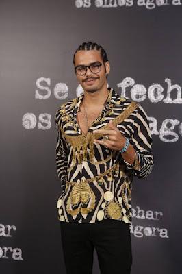 Enzo Romani é Renato em 'Se Eu Fechar os Olhos Agora' e conta que seu personagem tem grande carga sexual