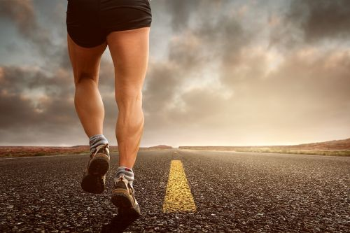 Eating multiple times in a day to lose weight promotes healthy lifestyle like jogging.