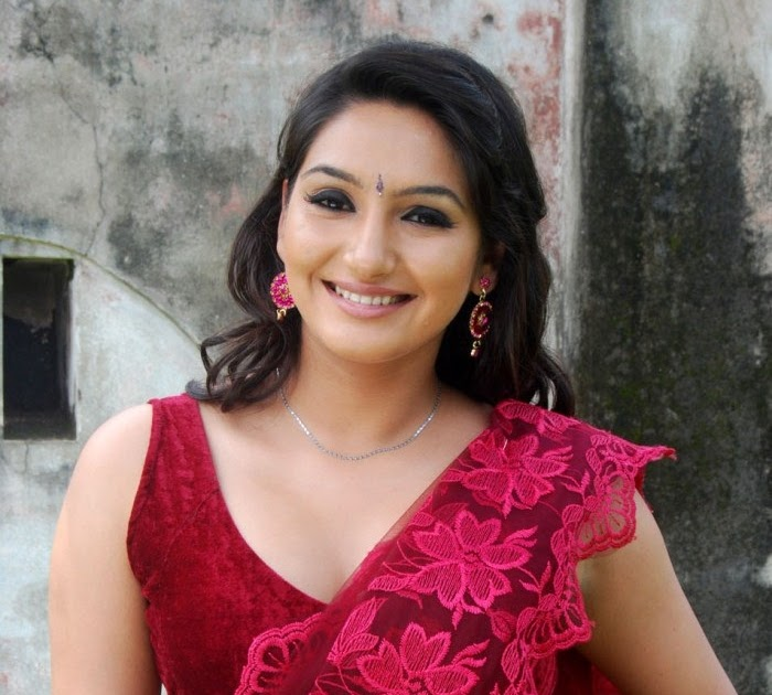 Real-wonder: Tamil Actress Ragini Dwivedi Amazing Saree Stills
