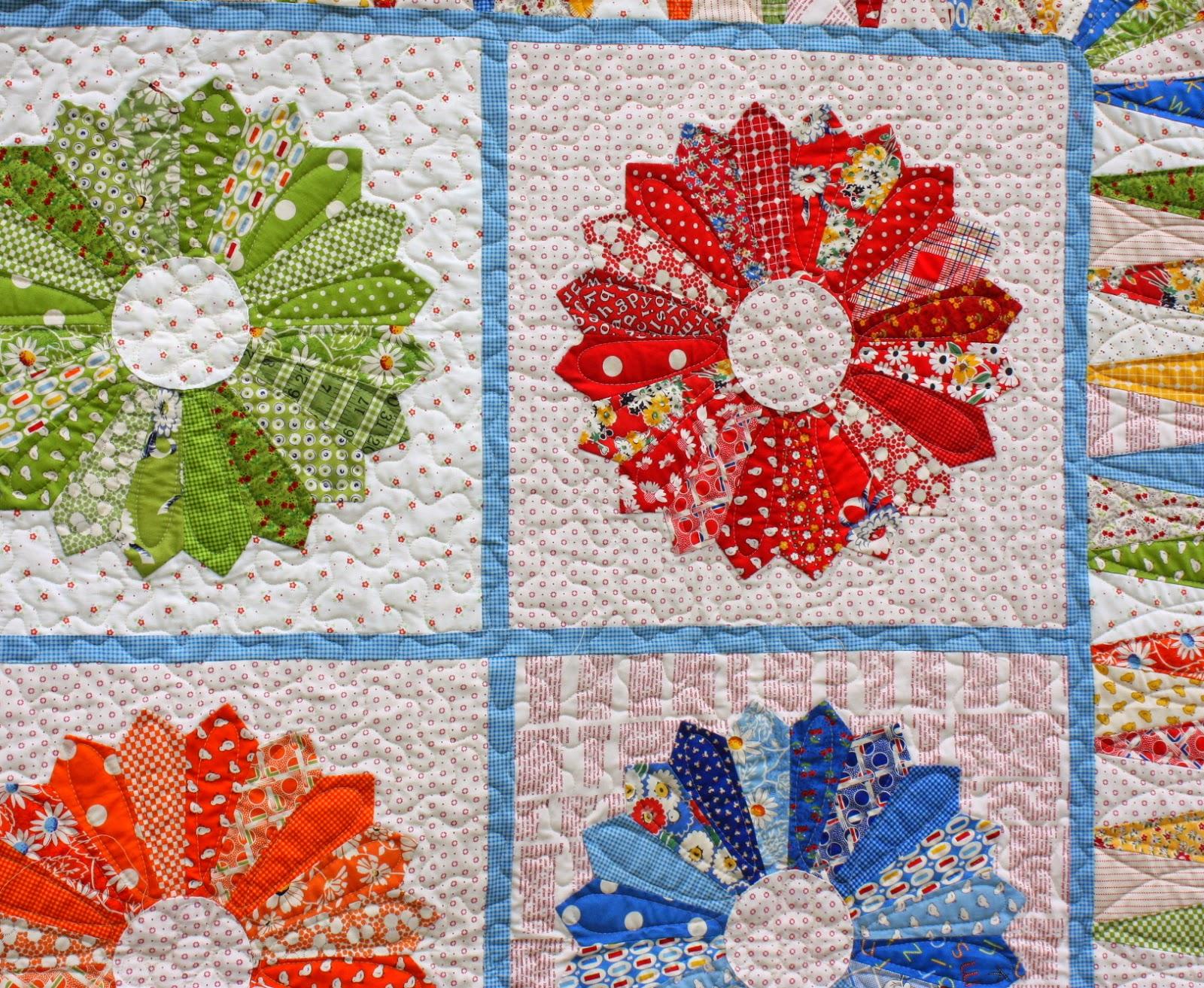 Monochromatic Dresden Quilt