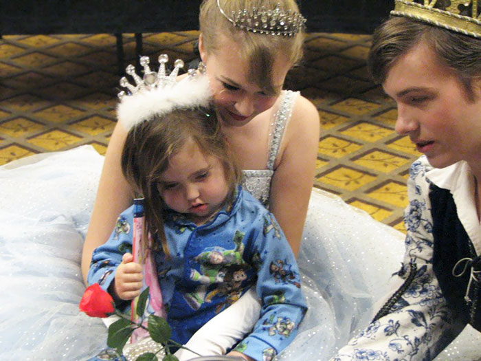 36 People's Heart-Breaking Last Wishes - 3-Year-Old Old Girl's Last Wish Was To Meet A Prince And Princess