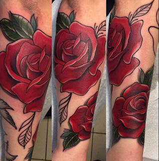 gambar tato mawar untuk wanita