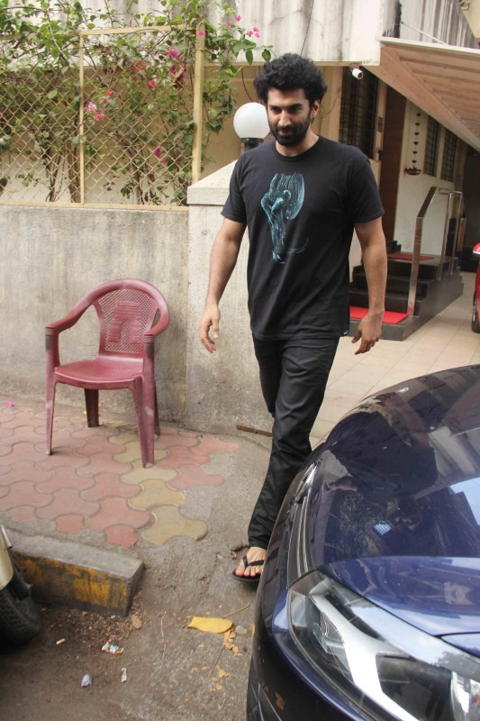 Aditya Roy Kapoor Snapped at Matrix office In Bandra