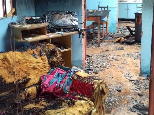Mais um incêndio em Nova Cantu. Desta vez, uma residência é tomada pelo fogo