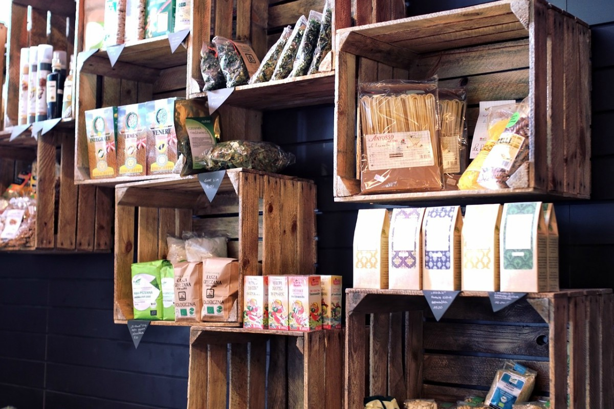 5 Food Pantry Ideas Using Old Creates: Up-cycling Ideas