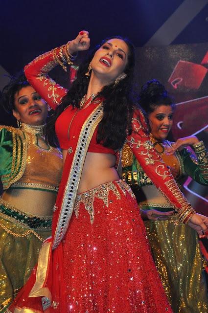 Sunny Leone Hot in Saree