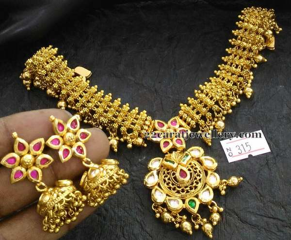 Real Look Kundan Necklace
