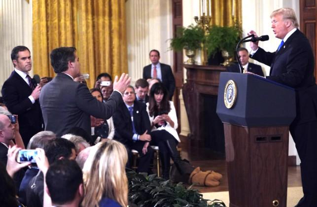 "taroudant press : البيت الابيض يسحب تصريح مراسل ""سي أن أن"" بعد سجال حاد مع ترامب"