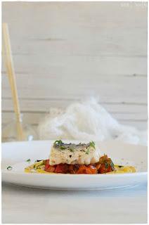 Lomo de merluza con verduras al curry- Receta de merluza exquisita- receta de salsa de curry con nata- cómo hacer salsa de curry con nata- salsa curry sin nata- pollo al curry con leche de coco-pollo curry light