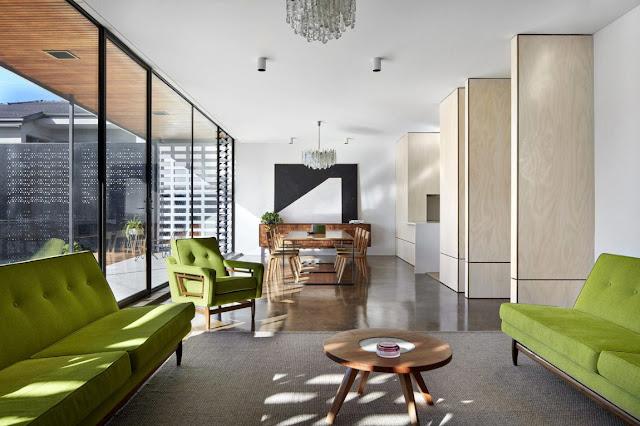 Обновленный интерьер дома в Мельбурне и легкая ностальгия 60-х