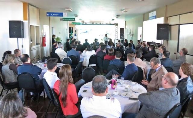 Importância regional do aeroporto de Guarapuava é discutida em reunião da Cacicopar