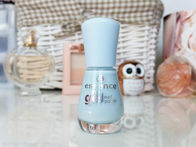 Essence The Gel Nail Polish 63 itsy bitsy blue bikini