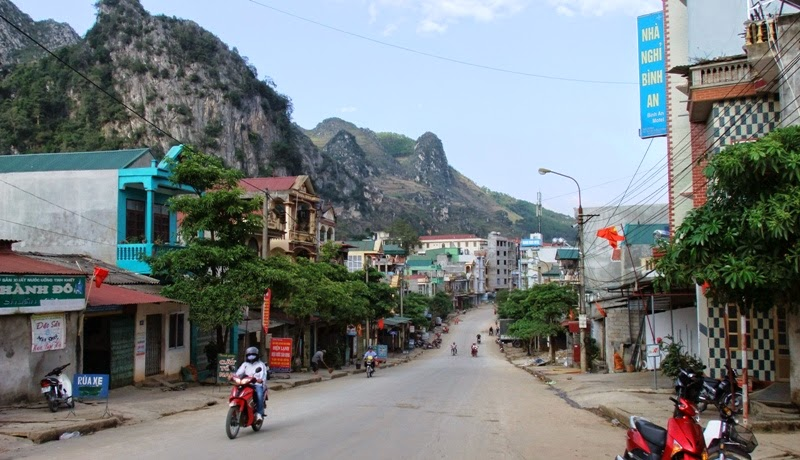 Dong Van is an upland district of Ha Giang, it is far about 146 kilometers from Ha Giang