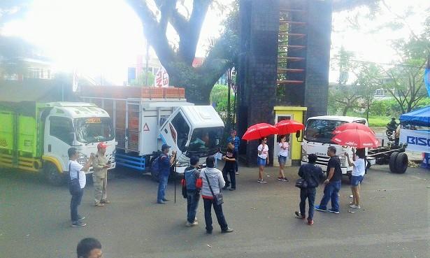 Isuzu open cargo festival