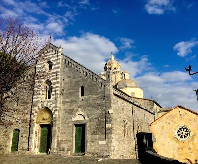 Village de Portovenere en Italie, église San Lorenzo