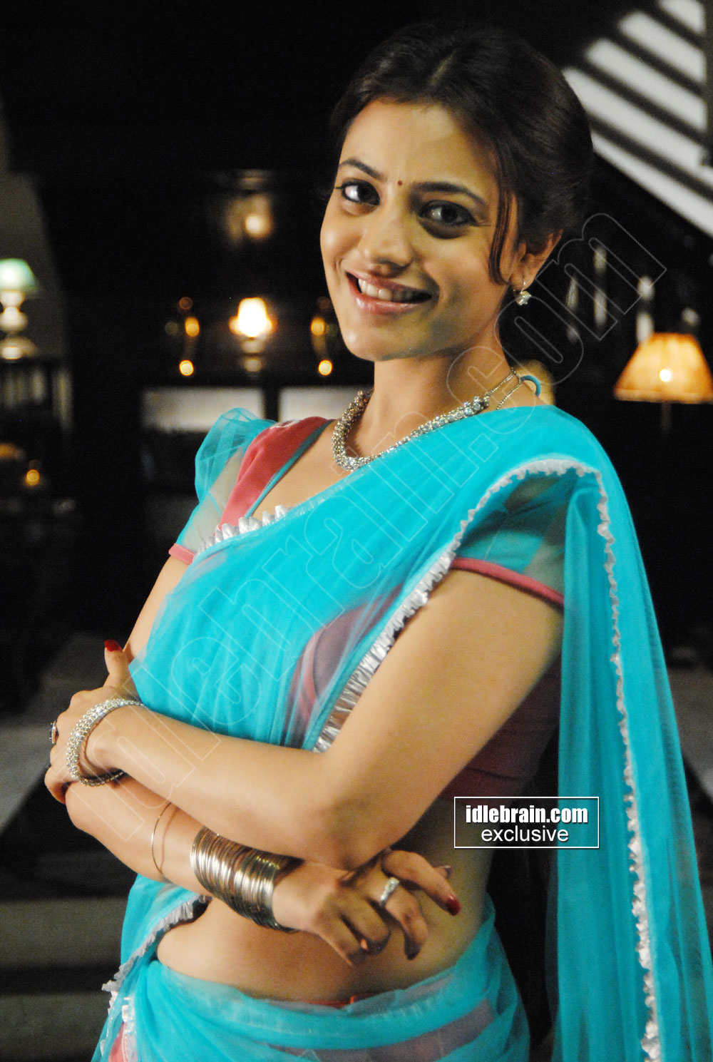 Kajal Agarwal Sister Nisha Sexy Navel And Boob Show In -3783