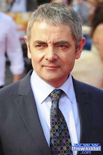 روان اتكينسون (Rowan Atkinson)، ممثل كوميدي إنجليزي معروف بشخصية مستر بين
