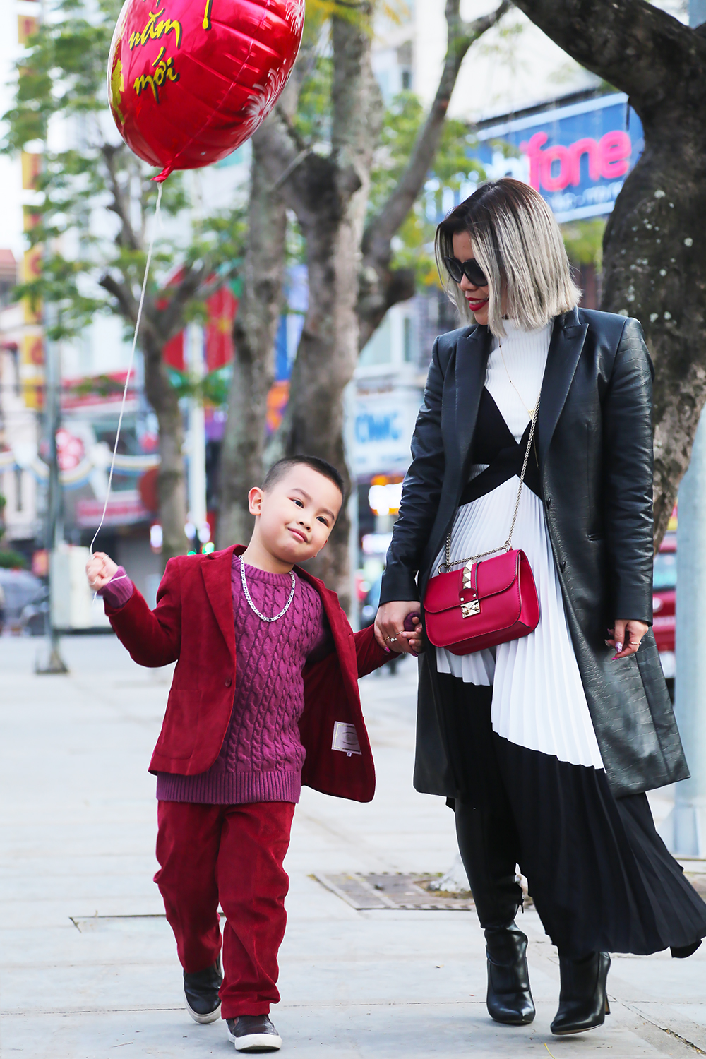 Crystal Phuong- Singapore Fashion Blogger- Streetstyle photoshoot with Miu, cute kid