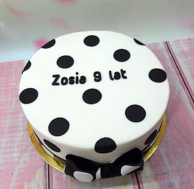 tort w kropki