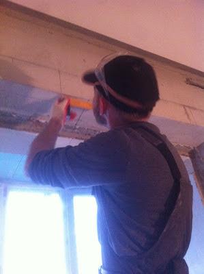 Работы по расширению балконного проема резка и расширение оконных проемов, лоджии