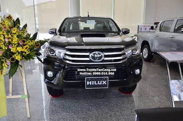 """Hilux 2016 AT mang thông điệp """"khẳng định bản lĩnh chinh phục"""" của Toyota"""