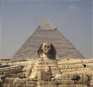 Sejarah Mitos dan Temuan Arkeologi Piramida