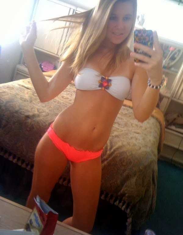 Hot Teen Bikini Babe Sexy Self Shot In Mirror-6755